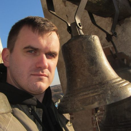 Илья Изотов